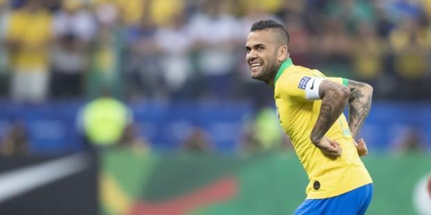 Brasil-vs-peru_grupo-a-copa-america-balon_central