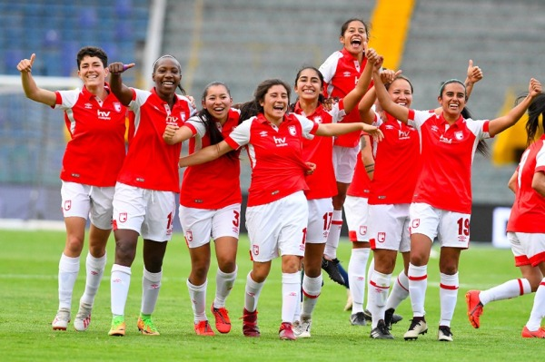 santafe_femenino_liga_balon_Central.jpg