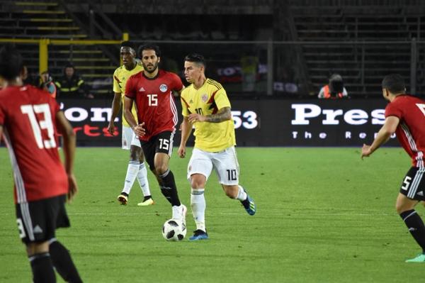 colombia_ante_selecciones_africanas_egipto_balon_central