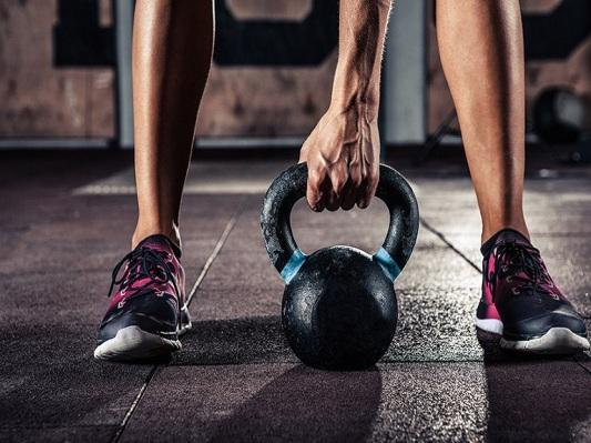 gym kettlebell training in gym