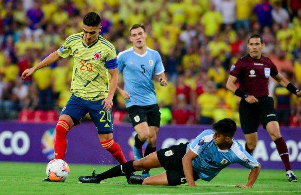 colombia_sub23_pierde_uruguay_preolimpico_2020_balon_central