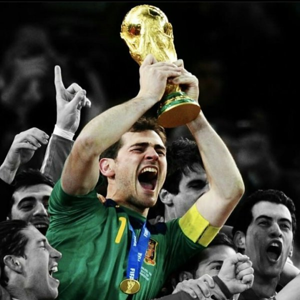 iker_campeon_2010_mundial_balon_central