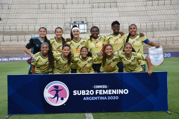 Colombia_femenina_sub_20_goleo_bolivia_sudamericano_argentina_2020_balon_central