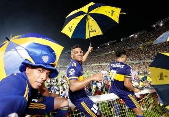 Los colombianos de Boca en la celebración del título de Superliga Argentina esta semana. Imagen: Twitter/@BocaJrsOficial