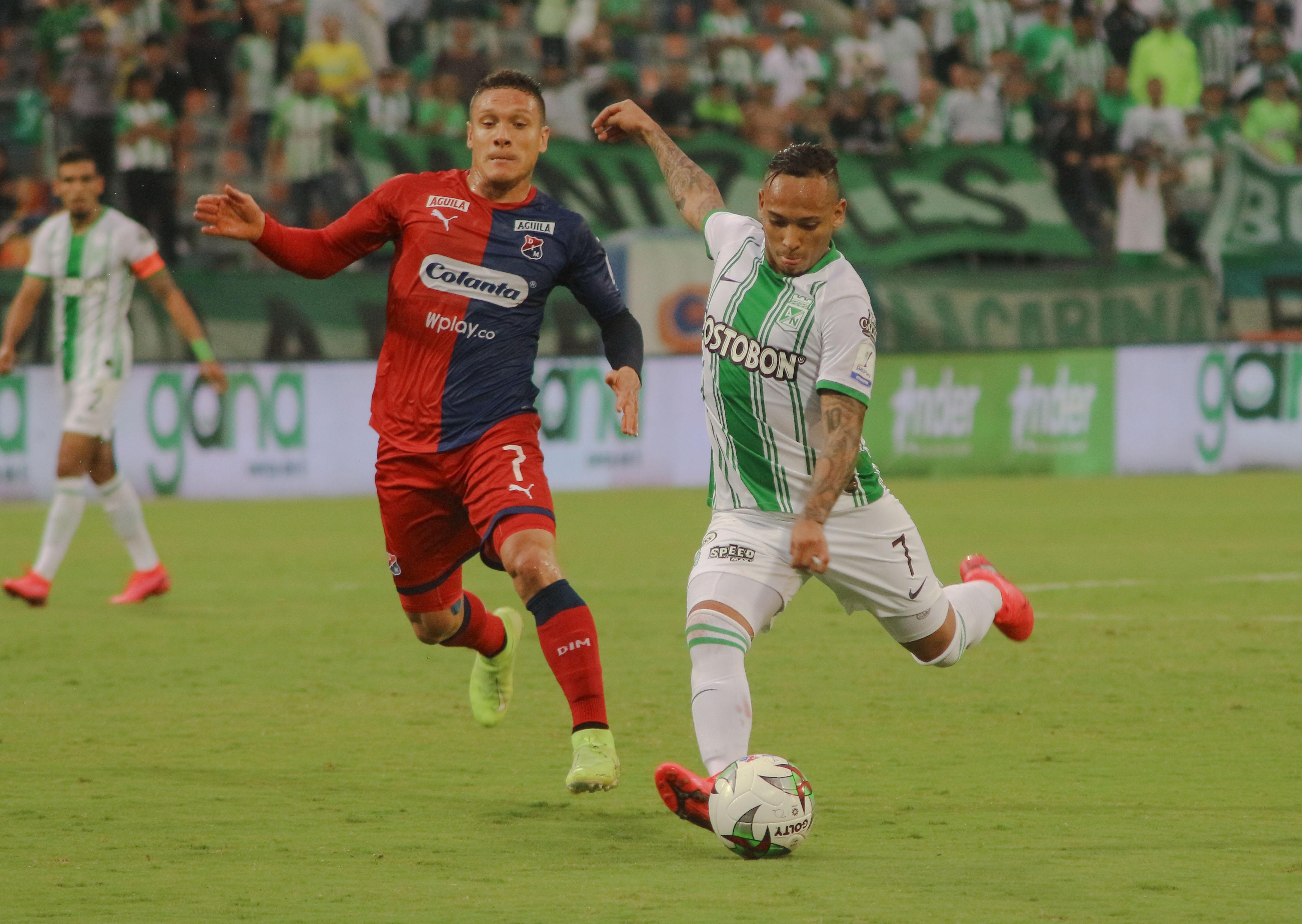 win_sports_baja_precio_premium_futbol_colombiano_2020_balon_central